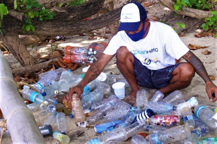 Clean ups on Siladen Island